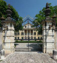 Free Italian Mansion Royalty Free Stock Photos - 31776748
