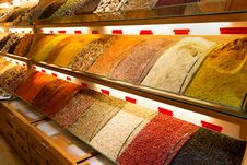 Free Oriental Spices At The Grand Bazaar In Istanbul Stock Images - 31784394