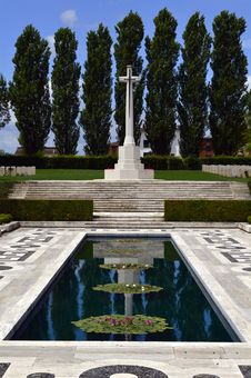 Free War Cemetery Memorial Royalty Free Stock Photos - 31789238