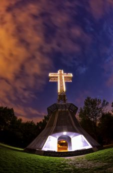 Free Cross At Night Royalty Free Stock Image - 31793026