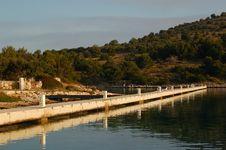 Free Empty Marine Dock Stock Photography - 3182402