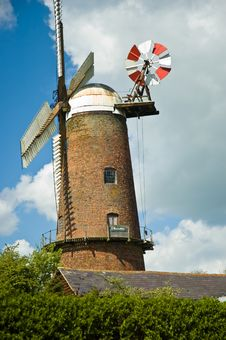 Free Traditional Windmill Royalty Free Stock Image - 3182706