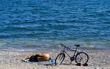 Free Reading On The Beach Stock Images - 3183884