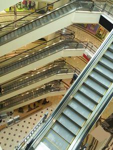 Free Escalators At Shopping Mall Royalty Free Stock Photo - 3184045