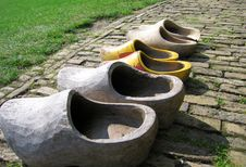 Free A Row Of Wooden Shoes Royalty Free Stock Images - 3184869
