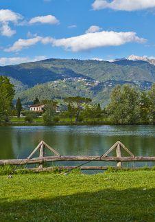 Free Lake Royalty Free Stock Photos - 31823218
