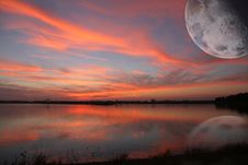 Free Sunset With Moon Stock Photography - 31835142