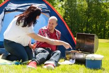Free Happy Couple Enjoying Their Bbq Royalty Free Stock Photography - 31850947