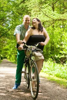 Free Romnantic Couple On A Bike Stock Image - 31851041