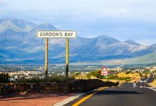 Free Gordon S Bay Road Sign Royalty Free Stock Photo - 31855875
