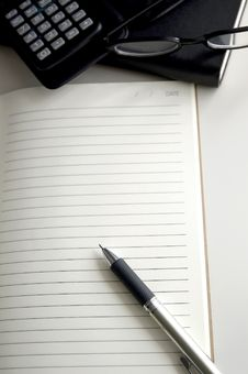 Free Pen On Blank Paper Stock Photos - 31874353