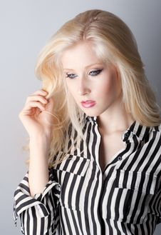 Free Blue Eyes And Makeup Royalty Free Stock Photos - 31883908