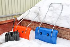 Free Snow Shovels Stock Image - 31899421