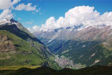 Free Swiss Mountain Landscape Royalty Free Stock Photo - 3191835