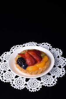 Free Fruit Dessert On Doily Royalty Free Stock Photos - 3197708