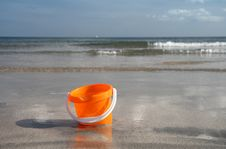 Free Sand Bucket On The Beach Royalty Free Stock Photography - 3197987