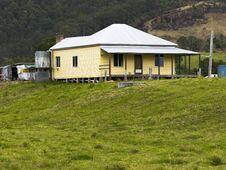 Free Farmhouse Royalty Free Stock Photo - 3198155