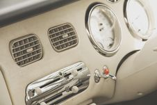 Free Interior Of Car Retro Style Royalty Free Stock Image - 31914176
