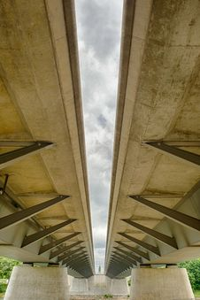 Free Modern Beam Bridge Structure Stock Photos - 31938993