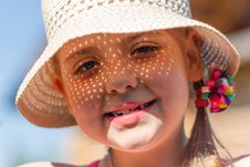 Free Girl In A White Hat Stock Photography - 31962112