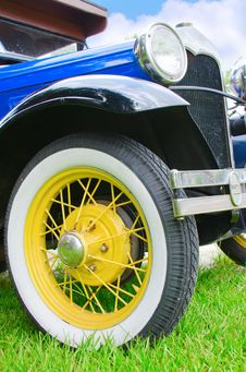 Free Colorful Antique Classic American Car Closeup Detail Stock Photography - 31963322
