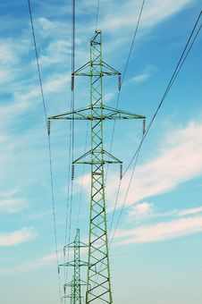 Free High Voltage Electricity Pilon Stock Photography - 3200282