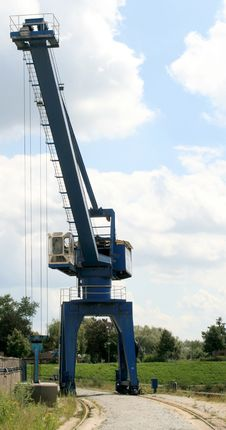 Free Crane To Load And To Unload Stock Photo - 3208180