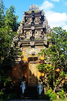Free Bali Temple In Ubud Royalty Free Stock Photos - 32003728