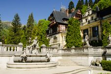 Free Peles Castle Royalty Free Stock Image - 32011136