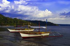 Free Filipino Boats Of Subic Bay. Royalty Free Stock Photos - 32013878