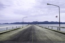 Free Straight Road Along The Sea Royalty Free Stock Image - 32019386