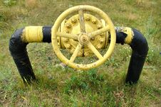 Free Old Gas Valve And Pipeline Royalty Free Stock Photos - 32030358