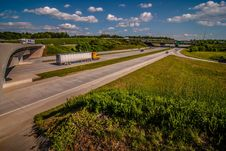 Free Clover Leaf Exit Ramps On Highway Royalty Free Stock Photos - 32035538