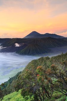 Free Bromo Mountain In Tengger Semeru National Park At Sunrise Royalty Free Stock Photos - 32039708