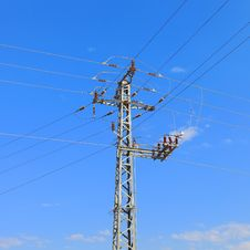 Free High Voltage Electricity Pillars Royalty Free Stock Images - 32049099