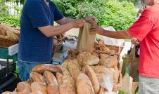 Free Artisanal Bread At Farmers Market Royalty Free Stock Photo - 32058215