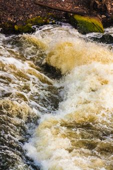 Free River Waves Royalty Free Stock Photo - 32064675