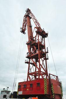 Free Big Red Sea Port Crane Royalty Free Stock Photos - 32084628