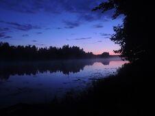 Free Night Landscape Royalty Free Stock Photos - 32092608