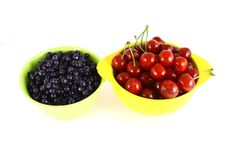 Free Blueberries And Cherry Royalty Free Stock Photos - 3211788