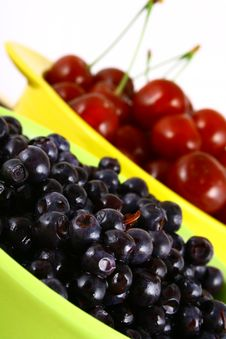 Free Blueberries And Cherry Stock Photography - 3211842