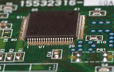 Free Microchip On Green Board Royalty Free Stock Image - 3212536