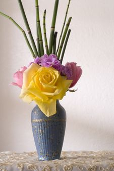 Free Flower Vase Royalty Free Stock Image - 3214546