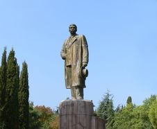Free Monument Maxim Gorky Royalty Free Stock Photo - 3214705