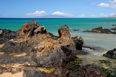 Free Rocky Shoreline By The Sea Royalty Free Stock Photography - 3216217