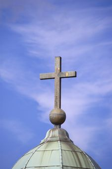 Free Cross On Sky Background Stock Photography - 3217622
