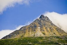 Free Mountains In Alaska Royalty Free Stock Photography - 3219547