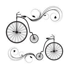 Free Retro Bicycle Royalty Free Stock Photo - 32120055
