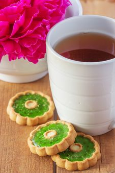 Cup Of Tea And Cookie Stock Photography