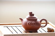 Free Chinese Teapot Stock Images - 32175904